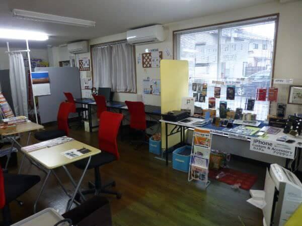 i-Repair 福島店の店内の様子の写真